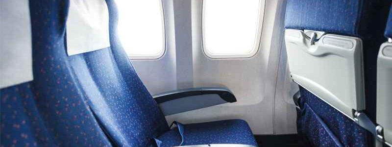 Kodėl lėktuve vis mažiau vietos kojoms?